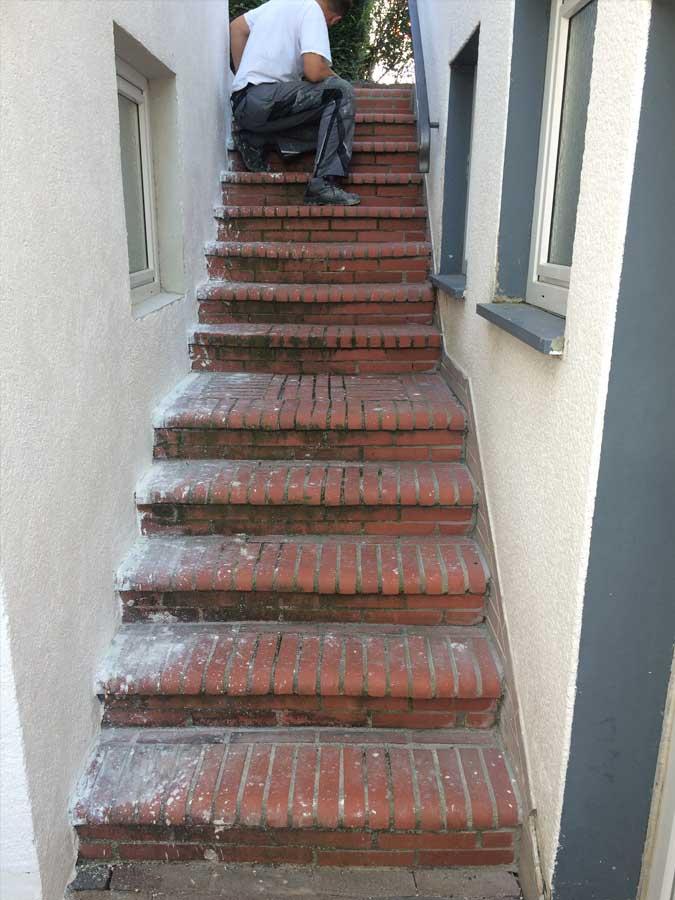Kellertreppe vorher